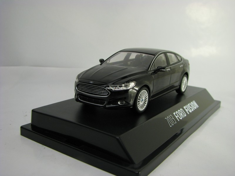 Ford Fusion 2013 black 1:43 Greenlight
